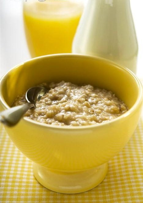 simple oatmeal with orange juice