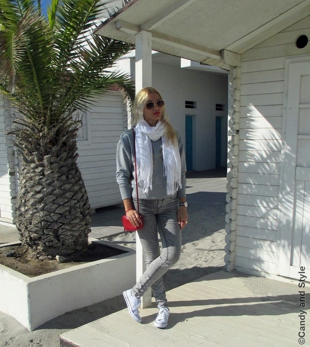 AviatorSunnies, PashminaScarf, Sweatshirt, Jeggings, MiniBag, Sneakers - Lilli Candy and Style Fashion Blog