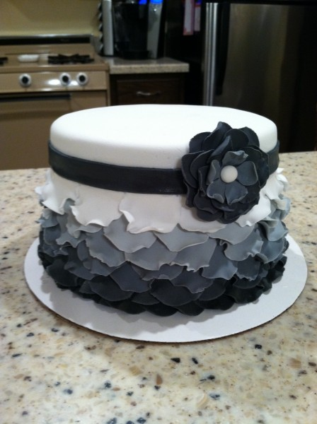 Project: Mommie: Ombre Petal Cake