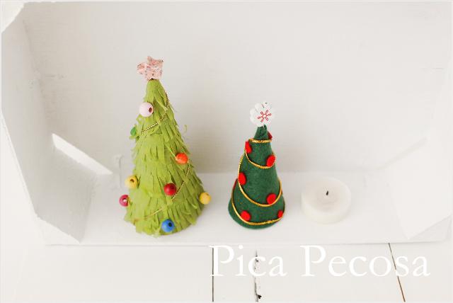 Haz mini rboles de navidad diy con cart n reciclado - Como hacer un arbol de navidad de carton ...