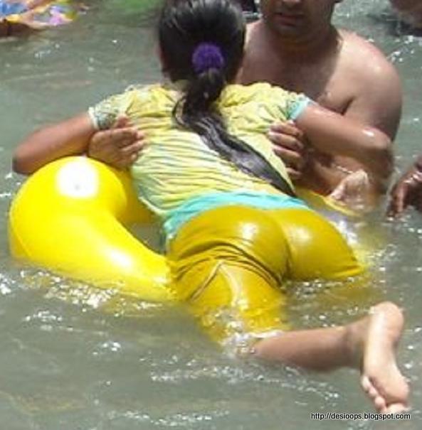 Hot Desi Indian Aunty