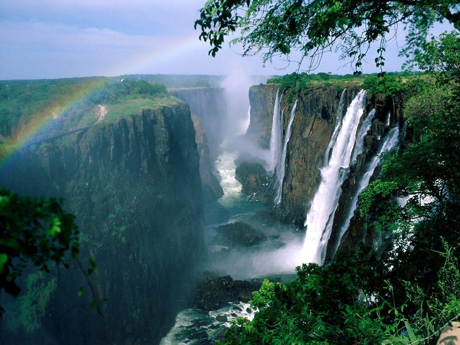 http://2.bp.blogspot.com/-6PpNIJcGAbg/TzsUu5rMPHI/AAAAAAAAG2I/4XjWDYWJ8QM/s1600/70608_Papel-de-Parede-Cachoeiras-de-Vitoria_1600x1200.jpg