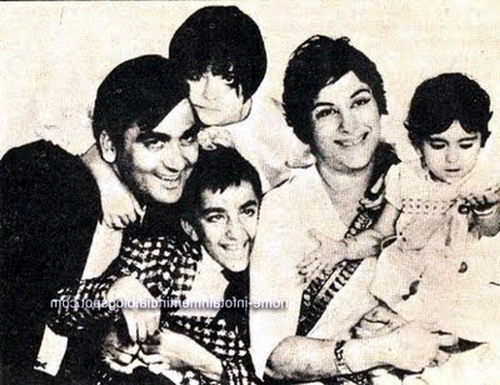 Sanjay Dutt Childhood Pictures 2013 ~ مراد علمدار