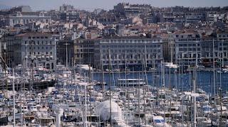 Le port de Marseille (Bouches-du-Rhône). Le maire UMP, Jean-Claude Gaudin, laisse planer le doute sur sa candidature à la municipale.