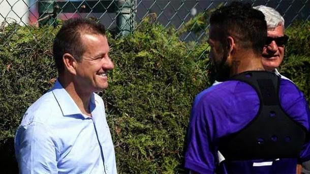 Dunga visita el entrenamiento del FC Barcelona