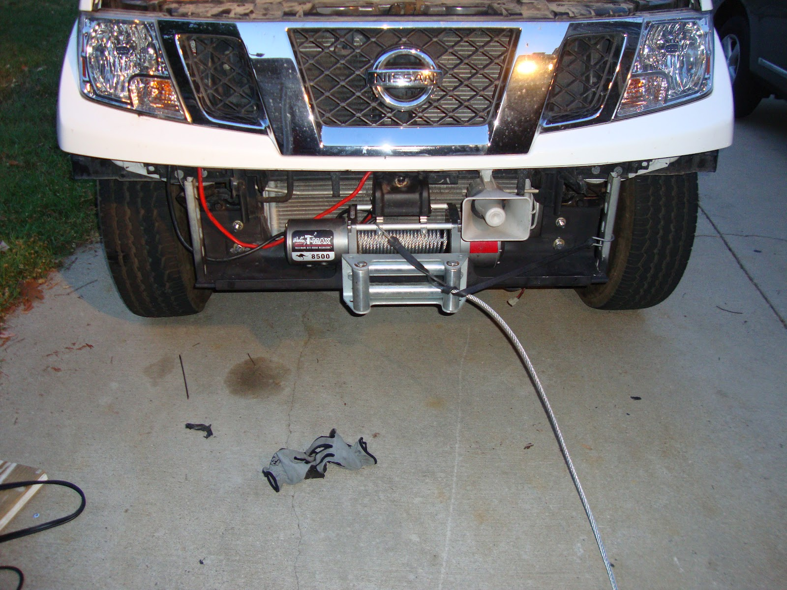 RoadTrek USA: DIY Driveway: Nissan Frontier Hidden Winch