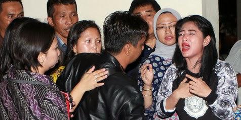 VIDEO DETIK DETIK DEPE DI PENJARA 3 BULAN 2014 Dewi Persik Siapkan Permohonan PK