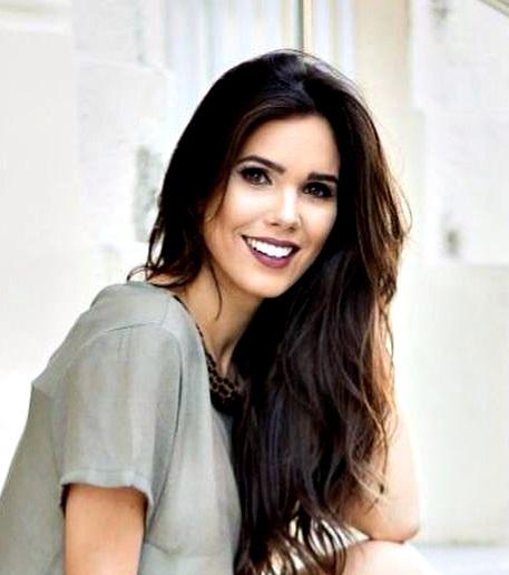 LARISSA ARAGÃO DE HOLANDA