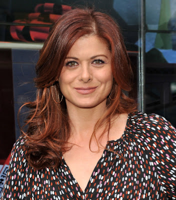 Debra Messing Long Wavy Cut Hairstyle