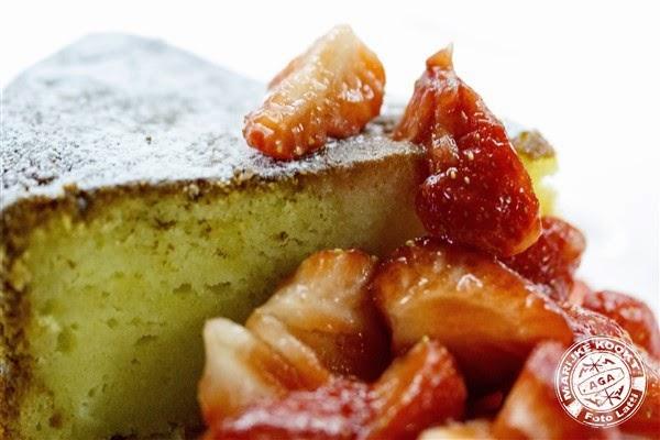Citroen ricotta cake met aardbeien
