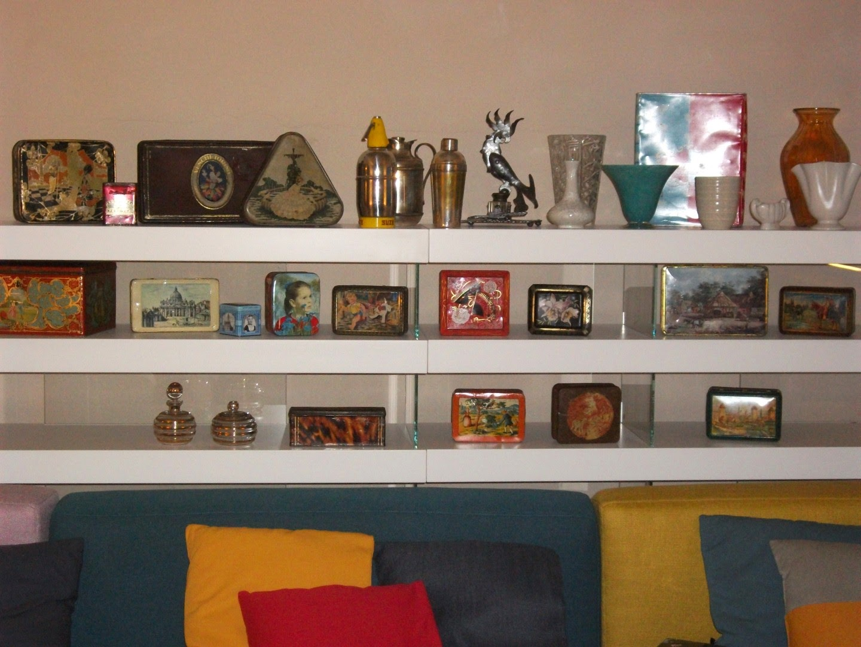Librerie Dietro Al Divano : Muffa dietro al divano le migliori idee su dietro al divano
