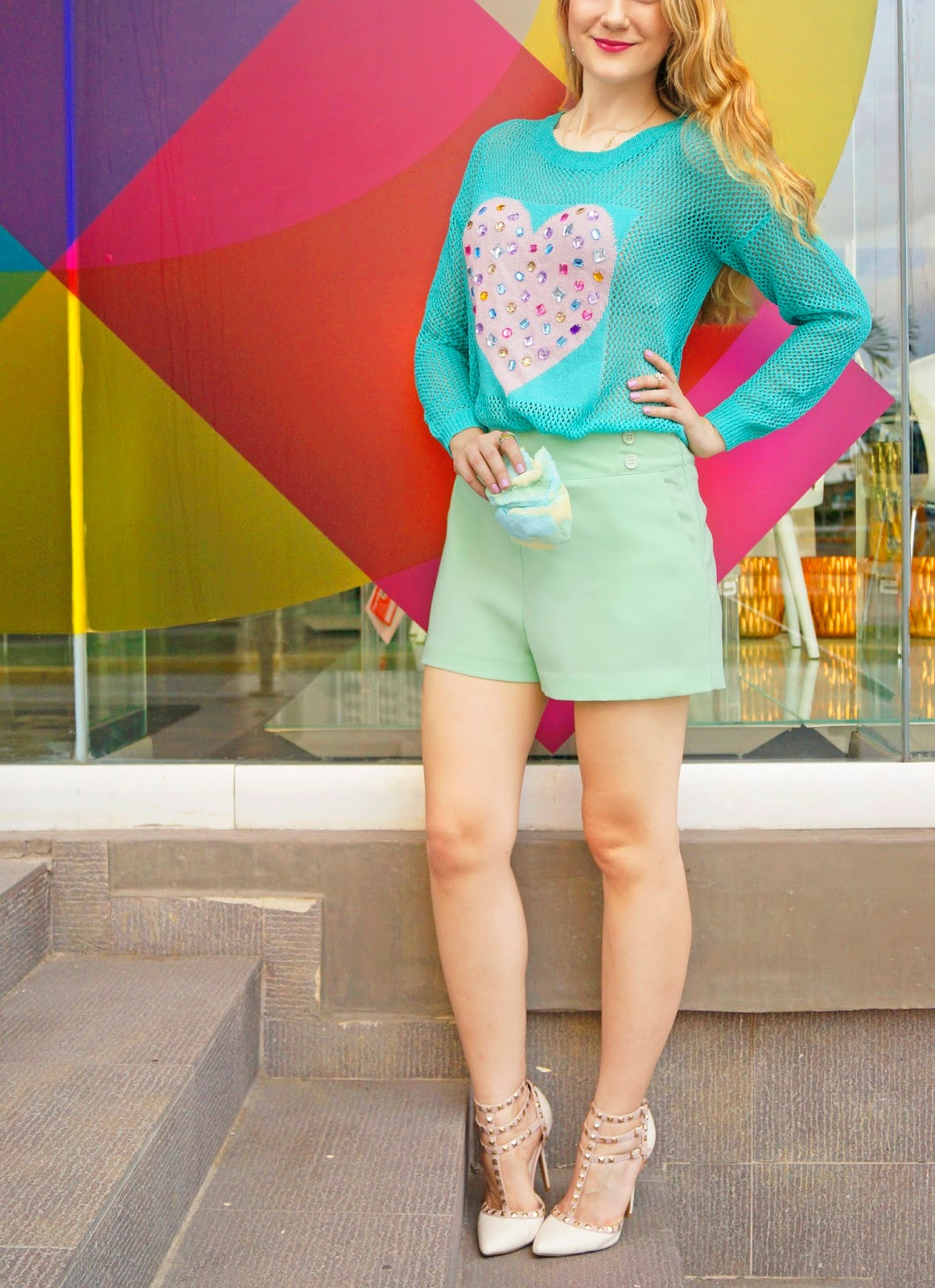 Loving this cute pastel outfit for Spring!