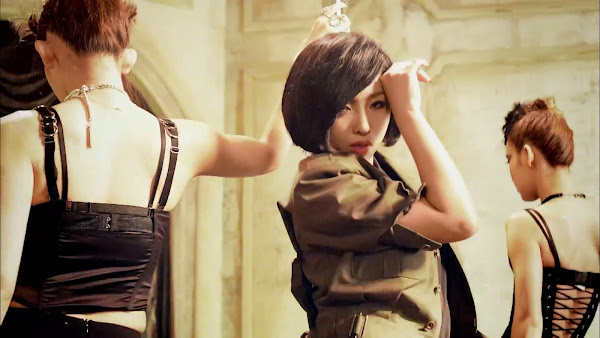 2NE1 Crush Minzy