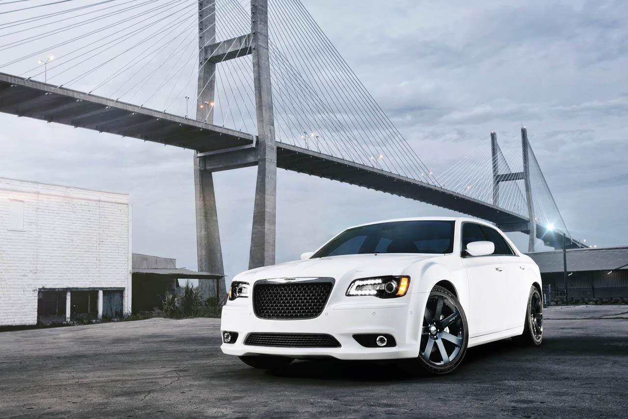 2012 Chrysler 300 SRT8 -465 HP