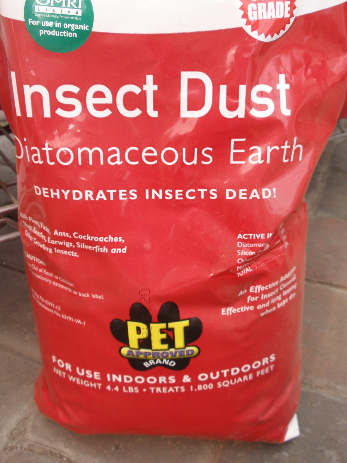 A gardening life - How to use diatomaceous earth in the garden ...