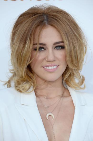 Penteado moderno para cabelos curtos femininos