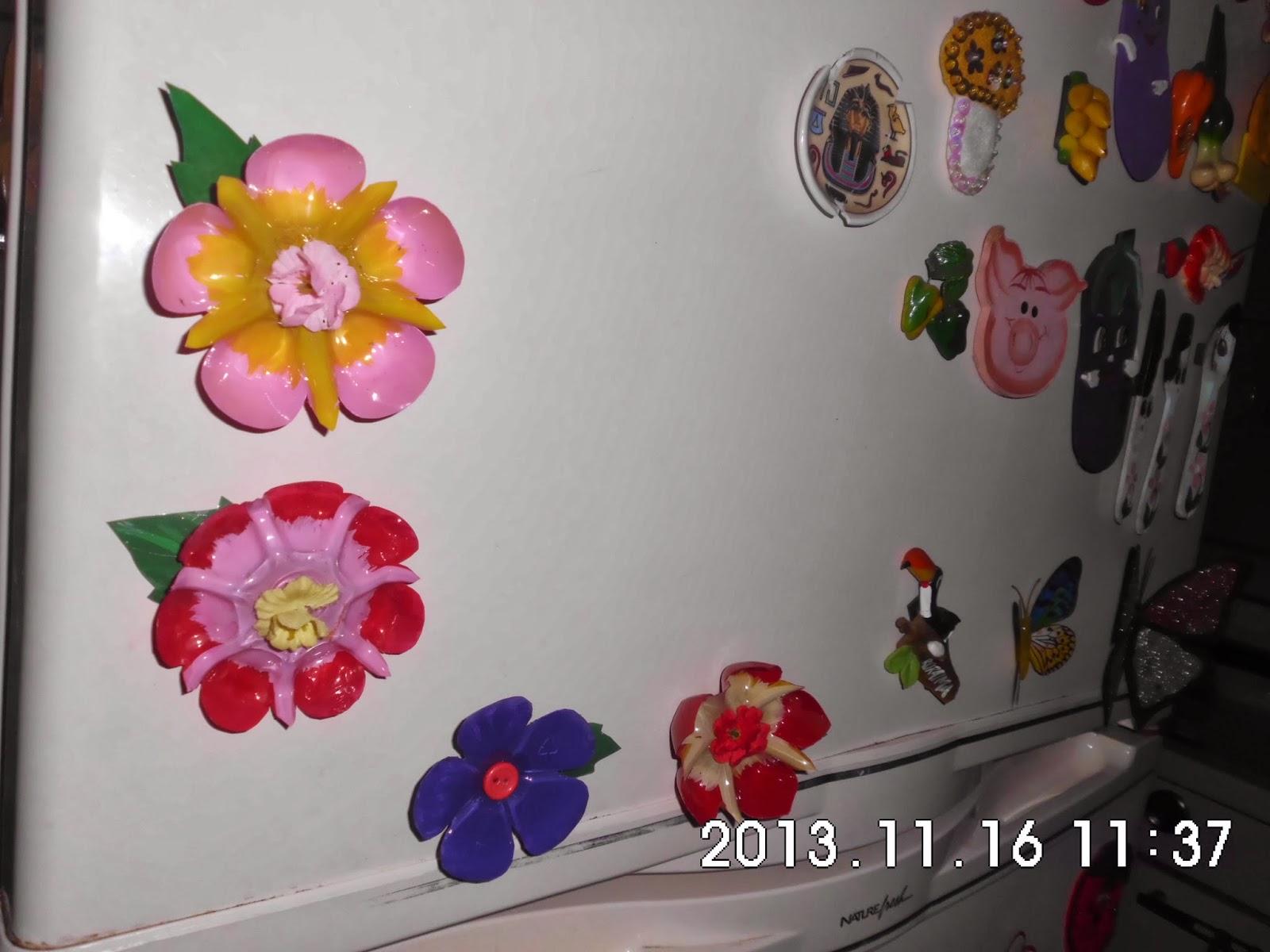 Las flores de chepita diferentes adornos con botellas for Adornos para pared
