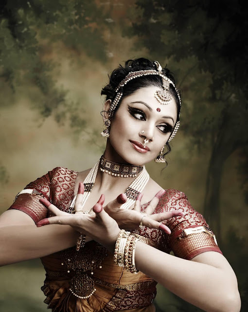 Shobana baratanatyam, Shobana hd  wallpapers, Shobana high resolution wallpapers, Shobana hd photos, Shobana images, Shobana wallpapers hd, shobana lips, old actress shobana hot photo, shobana baratanatyam photo,