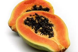 Mencegah Jerawat dan Keriput dengan 3 Makanan Berikut