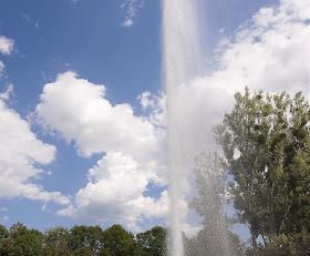 Cold+Water+Geyser 10 Tujuan Wisata Dengan Fenomena Alam yang Ekstrim