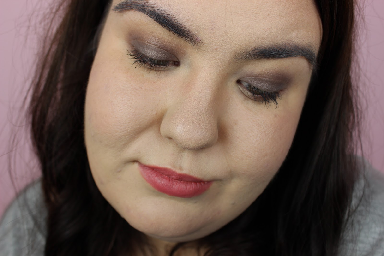 a smokey eye makeup with clarins essentials palette