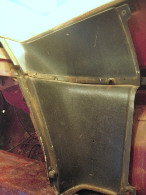 Fastback interior trim removal