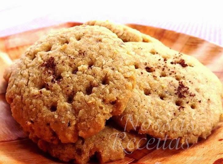 Receita de biscoito preparado com aveia e mel