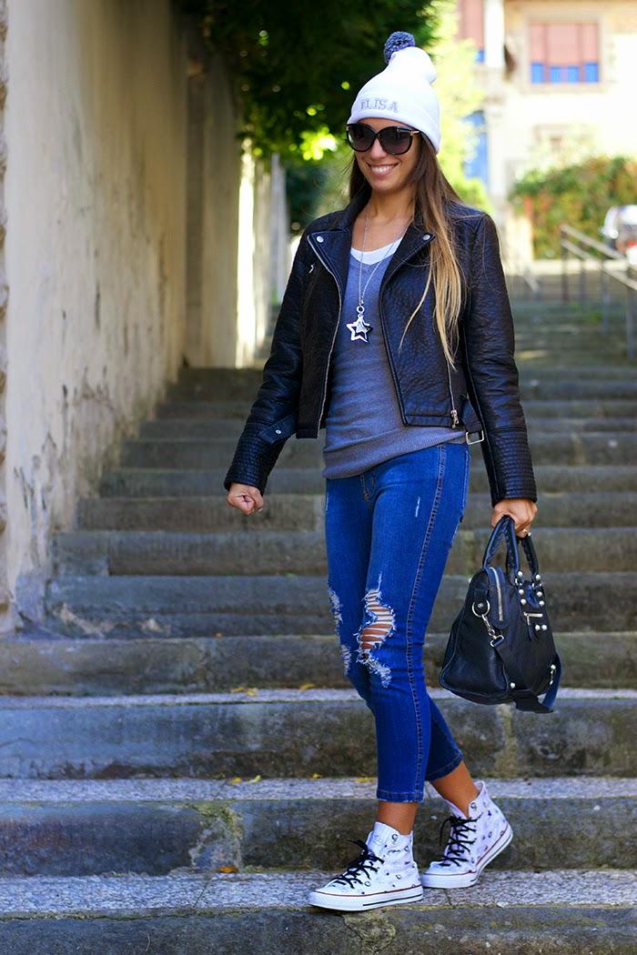 jeans capri con strappi