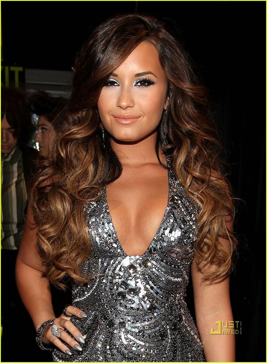 Demi Lovato - A Rising Star | Free Wallpapers - Macromattersblog