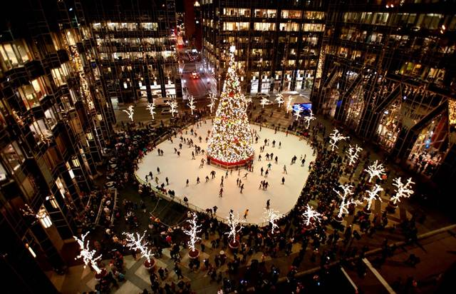 Americans are skating around the Christmas tree in Pittsburgh, PA
