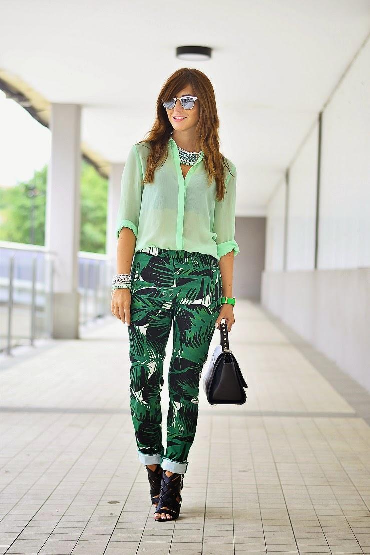 Pantalón tropical