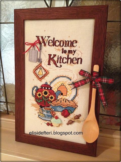 kaneviçe işlemeli mutfak panosu