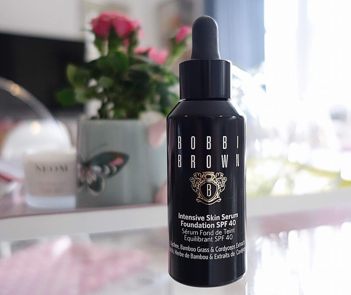 Bobbi-Brown-Intensive-Skin-Serum Foundation-SPF40-Review-and-Swatches
