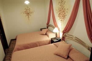 Hoteles baratos en Cuenca Ecuador Hotel Casa San Rafael