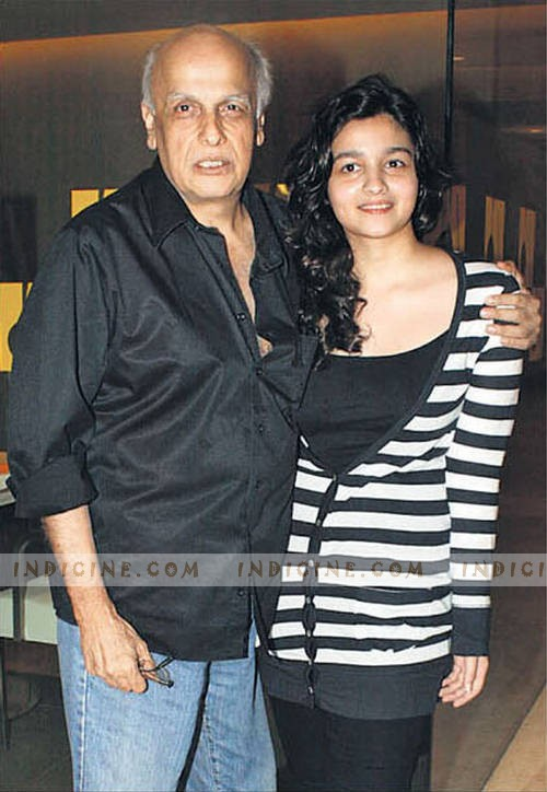 alia bhatt with father mahesh bhatt