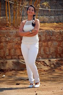 Ester Noronha Pictures from bheemavaram bullodu 030.jpg