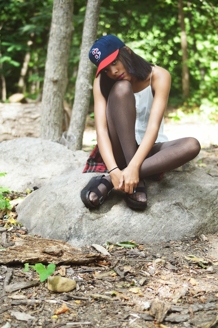 Indie Fashion Blogger Anais Alexandre of Down to Stars in a casual grunge outfit relaxing with skaters at Prospect Park
