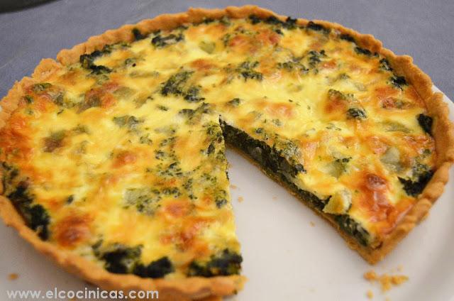 Tarta de espinacas, queso y crema fresca