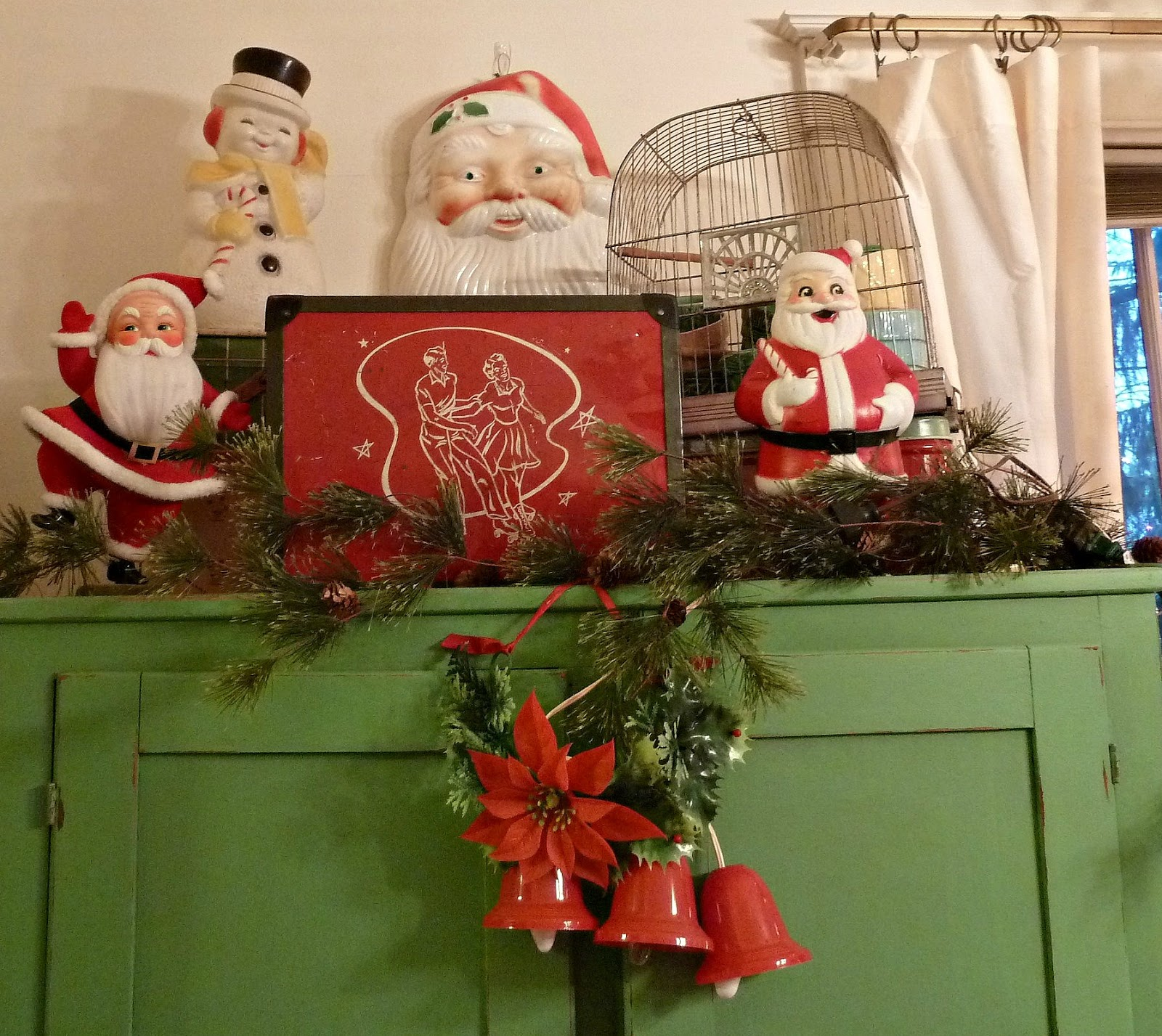 vintage santas vintage and vintage christmas on pinterest. Black Bedroom Furniture Sets. Home Design Ideas