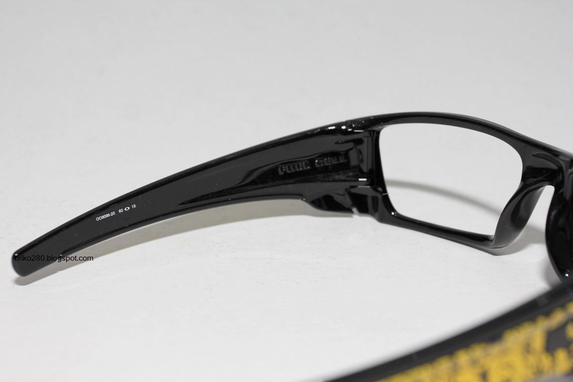 ducati oakley fuel cell l4uu  Amazoncom: Oakley Men's Fuel Cell Rectangular Sunglasses,Carbon,60 mm:  Oakley: Clothing