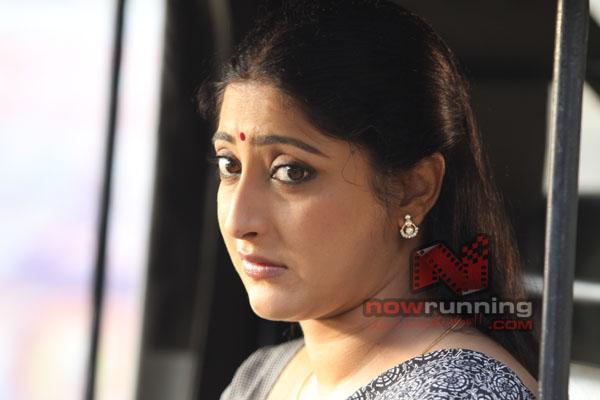 Lakshmi Gopalaswami: Divyaparameshwaran123: Lakshmi Gopalaswamy Hot Boobs