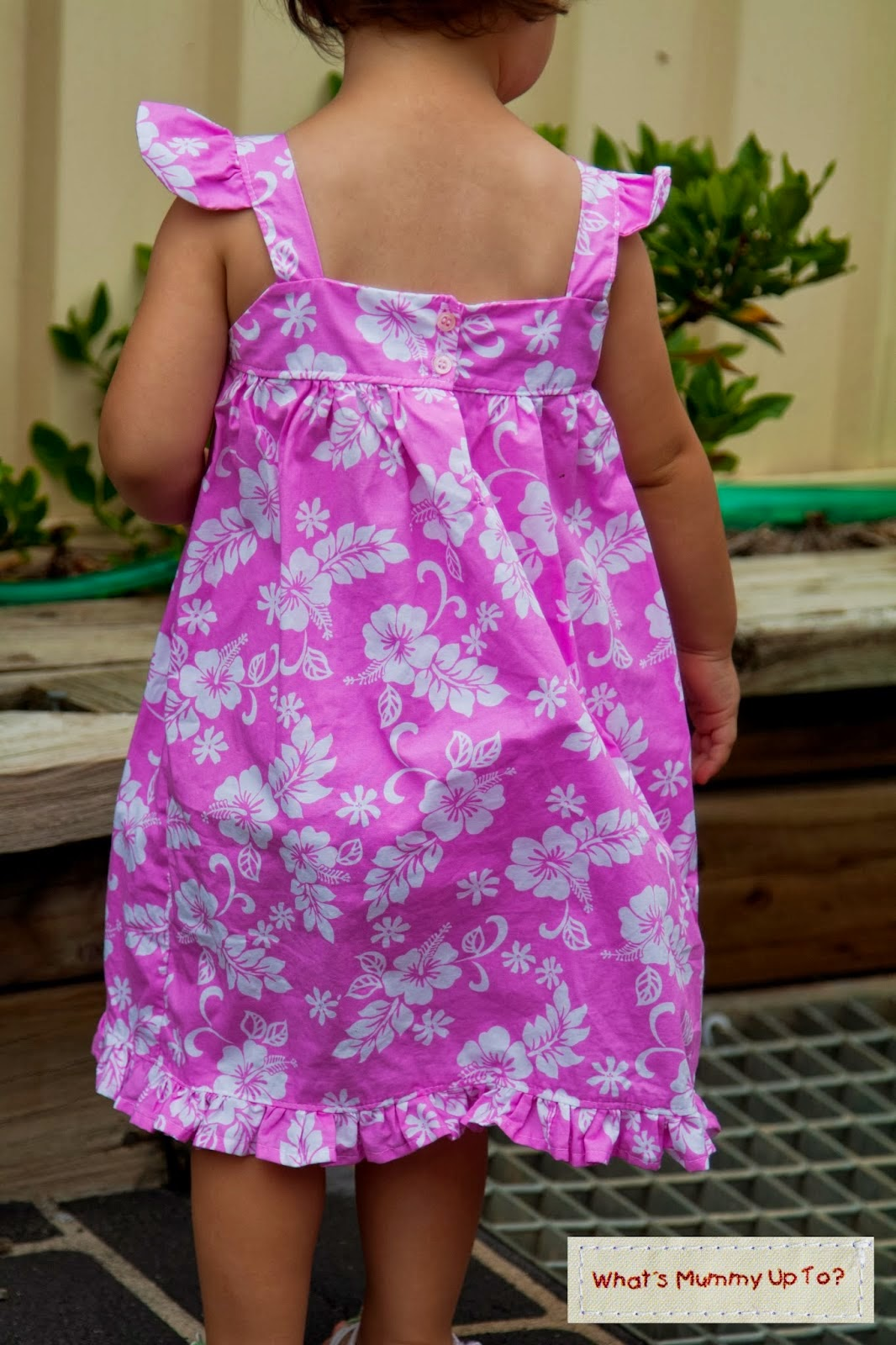 http://whatsmummyupto.blogspot.com.au/2014/03/tutorial-summer-frills-dress.html