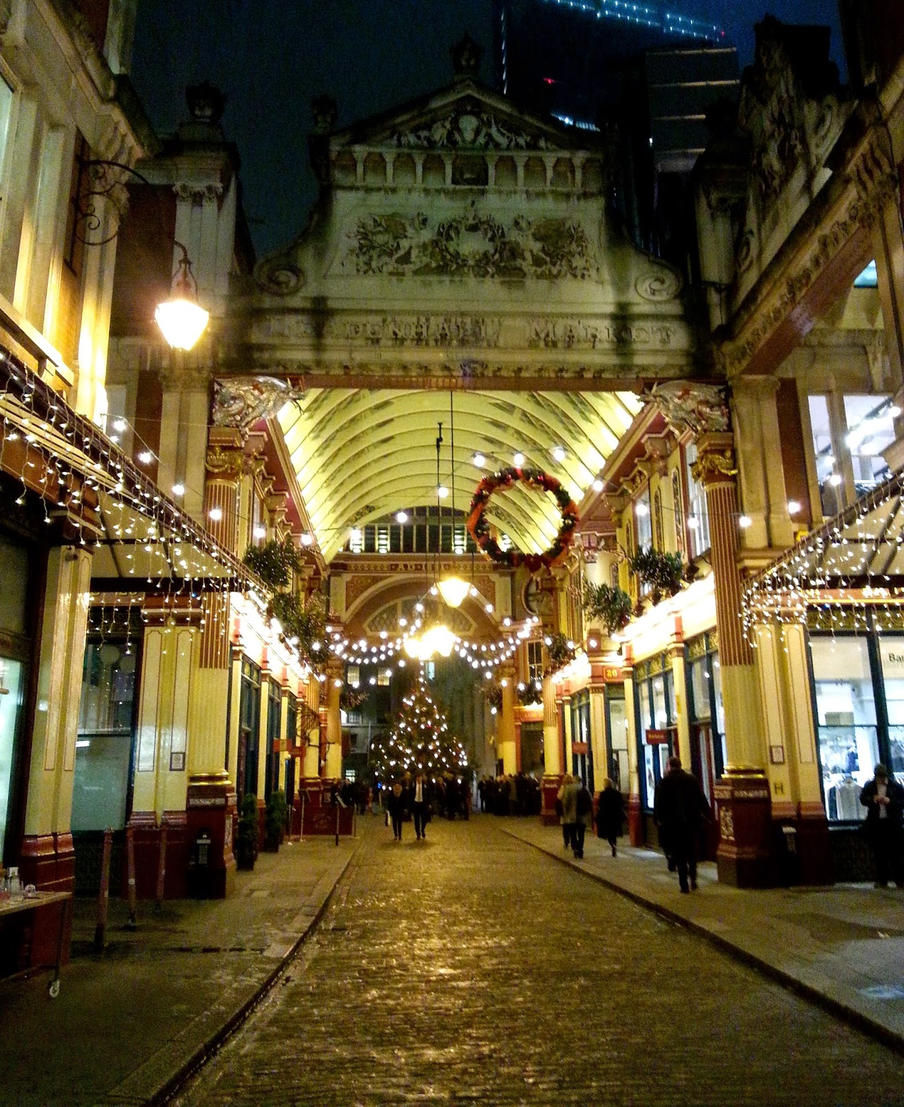 Spend time in the markets (29 Things I Learned in London) @TheBareMidriff