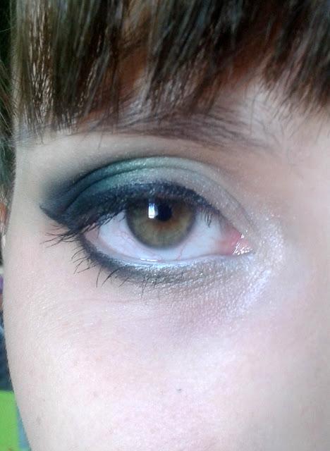 Zielono-czarne odcienie na oczkach Ani, czyli...: Metamorfoza #5