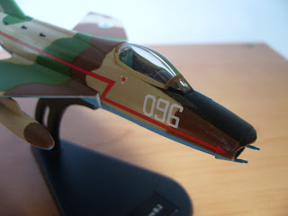 french fighter-bomber Dassault Super Mystere Italeri 1/100 scale