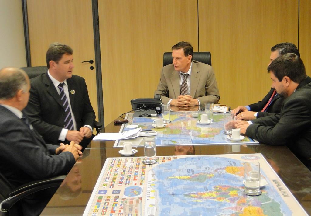 Reunião com Crivella conta com a presença de diversos prefeitos