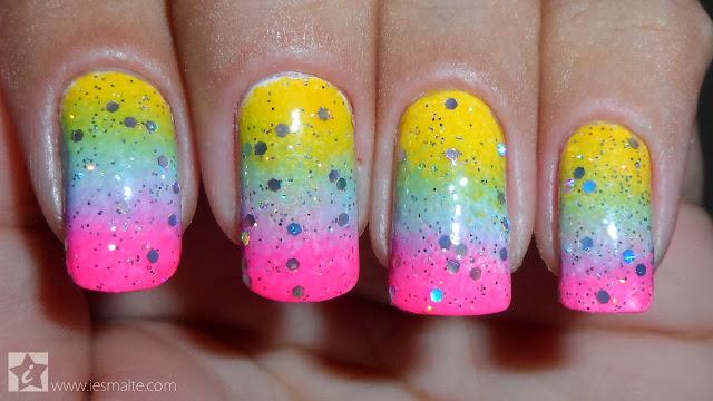 Unhas Decoradas - Esponjado Colorido + Glitter