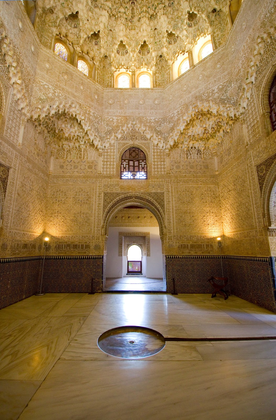 the alhambra palace essay To dive deeper, check out washington irving's tales of the alhambra, a collection of essays and stories that has in many ways shaped the modern perception of the palace 3 be patient and prepared.