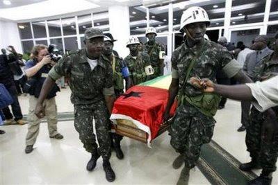 Armas voltam a falar mais alto em Bissau - CPLP ganha assim nova medalha de mérito