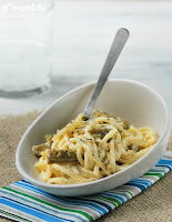 Spaguetti con crema de quesos y espárragos trigueros